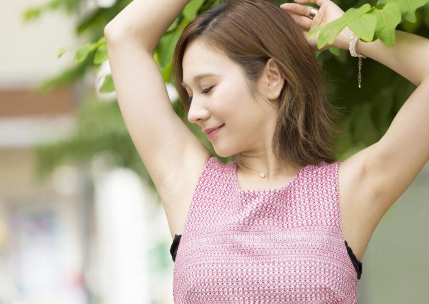 「脱毛すると脇汗が増える」というのは思い込み。脱毛と脇汗の関係を解説